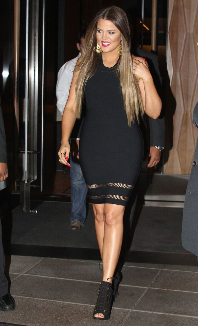 Photos-Khloe-Kardashian-32-ans-en-32-tenues-ultra-sexy-!