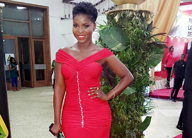 daphne-njie-celebrites-africaines-teint-noir-jewanda-1